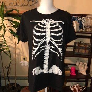 💋5/$25💋 skeleton graphic T-shirt